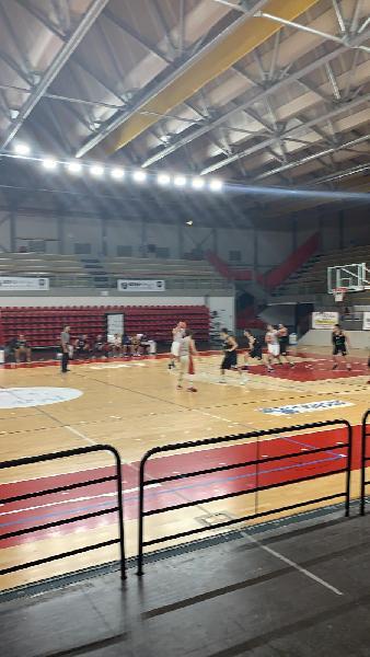 https://www.basketmarche.it/immagini_articoli/20-10-2019/basket-auximum-osimo-sfida-basket-durante-urbania-600.jpg