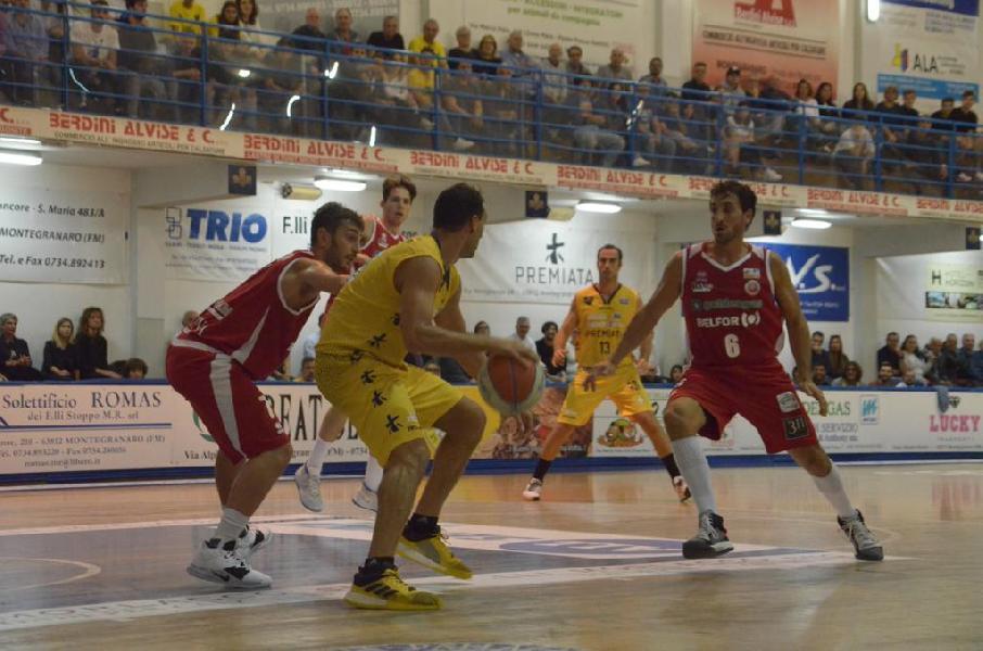 https://www.basketmarche.it/immagini_articoli/20-10-2019/sutor-montegranaro-aggiudica-volata-derby-pallacanestro-senigallia-600.jpg