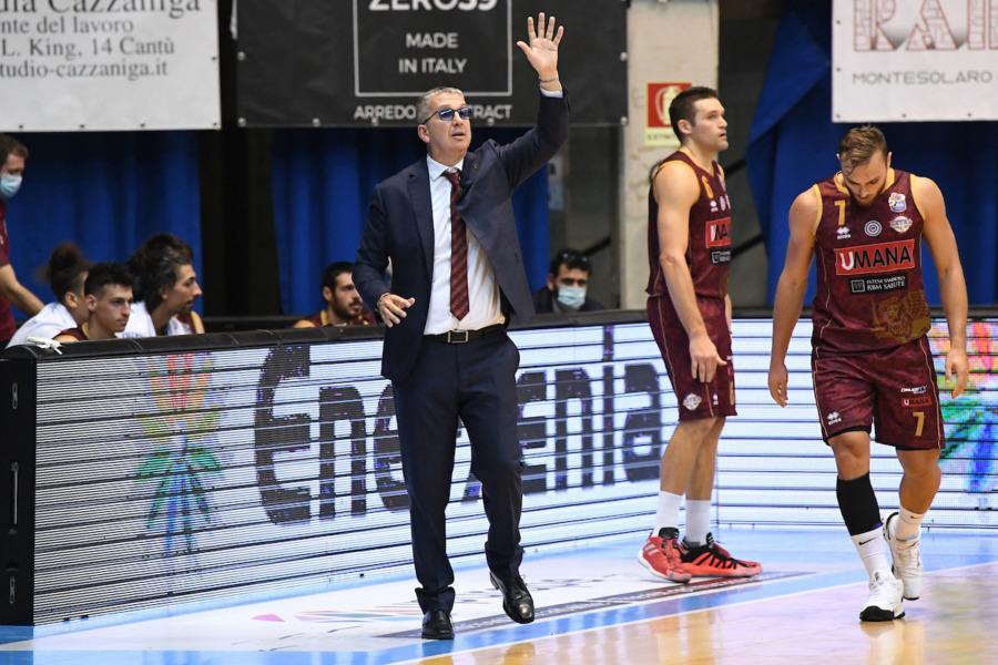 https://www.basketmarche.it/immagini_articoli/20-10-2020/venezia-coach-raffaele-sono-dispiaciuto-punteggio-finale-rende-tutto-giustizia-600.jpg