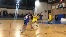 https://www.basketmarche.it/immagini_articoli/20-10-2021/posticipo-boys-fabriano-espugnano-campo-castelfidardo-120.jpg
