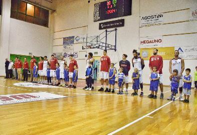 https://www.basketmarche.it/immagini_articoli/20-11-2017/serie-b-nazionale-la-virtus-civitanova-supera-giulianova-con-un-gran-finale-270.jpg