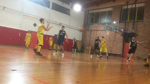 https://www.basketmarche.it/immagini_articoli/20-12-2017/prima-divisione-b-il-vallesina-basket-espugna-il-campo-della-dinamis-falconara-270.jpg
