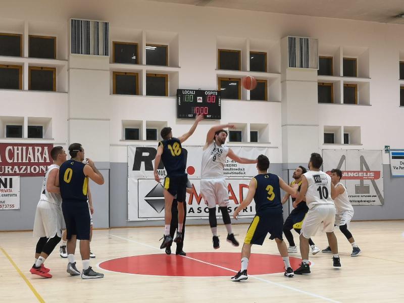 https://www.basketmarche.it/immagini_articoli/20-12-2019/netta-vittoria-basket-giovane-pesaro-castelfidardo-600.jpg