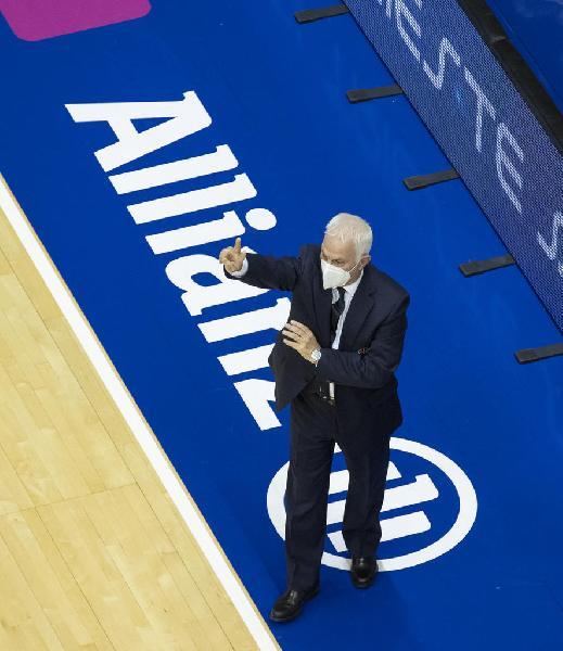 https://www.basketmarche.it/immagini_articoli/20-12-2020/trieste-coach-eugenio-dalmasson-premiato-miglior-allenatore-italiano-stagione-1920-600.jpg