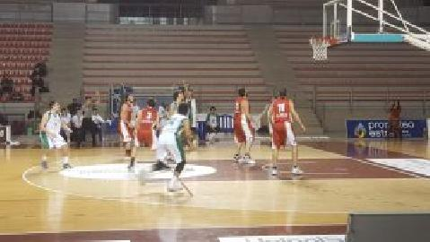 https://www.basketmarche.it/immagini_articoli/21-01-2018/d-regionale-il-cab-stamura-ancona-supera-l-auximum-osimo-con-un-grande-secondo-tempo-270.jpg
