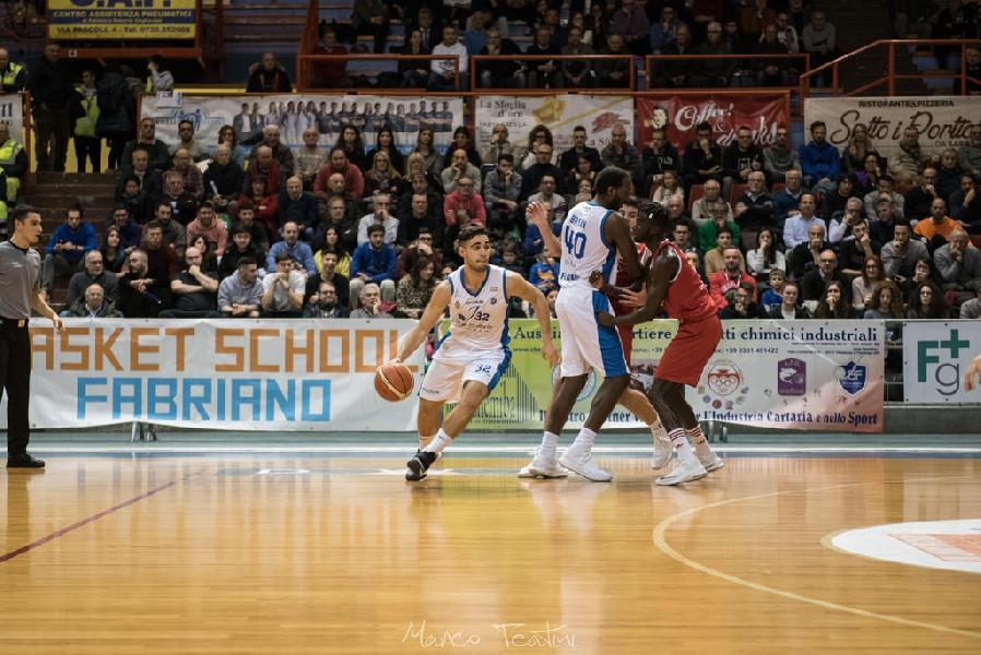 https://www.basketmarche.it/immagini_articoli/21-01-2019/janus-fabriano-supera-agevolmente-campli-terzo-classifica-600.jpg