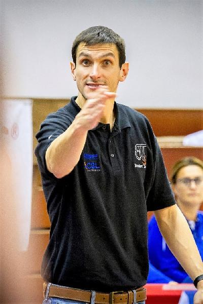https://www.basketmarche.it/immagini_articoli/21-03-2019/basket-todi-coach-olivieri-fiducia-miei-ragazzi-battere-orvieto-facile-600.jpg