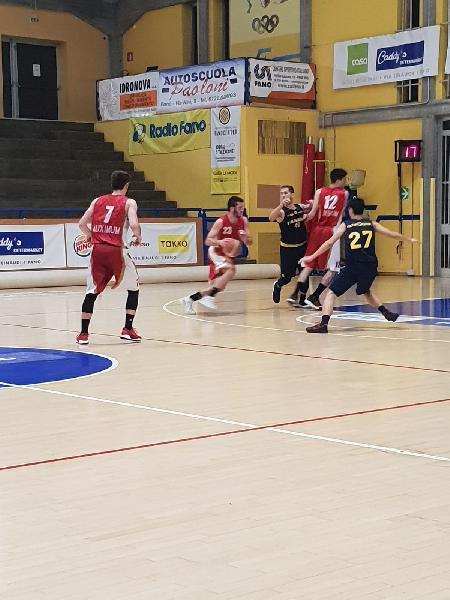 https://www.basketmarche.it/immagini_articoli/21-03-2019/regionale-girone-squadre-giocano-ultimi-posti-playoff-scontri-diretti-calendario-600.jpg