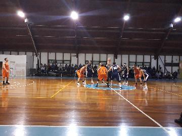 https://www.basketmarche.it/immagini_articoli/21-04-2018/d-regionale-playoff-gara-2-il-marotta-basket-cade-a-fabriano-e-termina-la-stagione-270.jpg