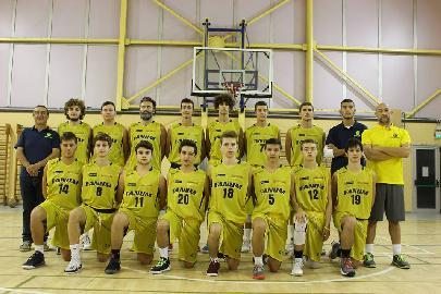 https://www.basketmarche.it/immagini_articoli/21-04-2018/promozione-coppa-canestro-di-legno-il-basket-fanum-doma-i-fermignano-warriors-270.jpg