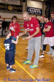 https://www.basketmarche.it/immagini_articoli/21-06-2017/serie-c-gold-luca-usberti-è-il-nuovo-direttore-sportivo-della-vigor-matelica-270.jpg
