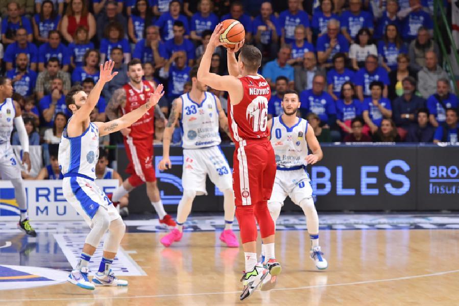 https://www.basketmarche.it/immagini_articoli/21-07-2019/dinamo-sassari-olimpia-milano-khimki-hapoel-campo-city-cagliari-2019-600.jpg