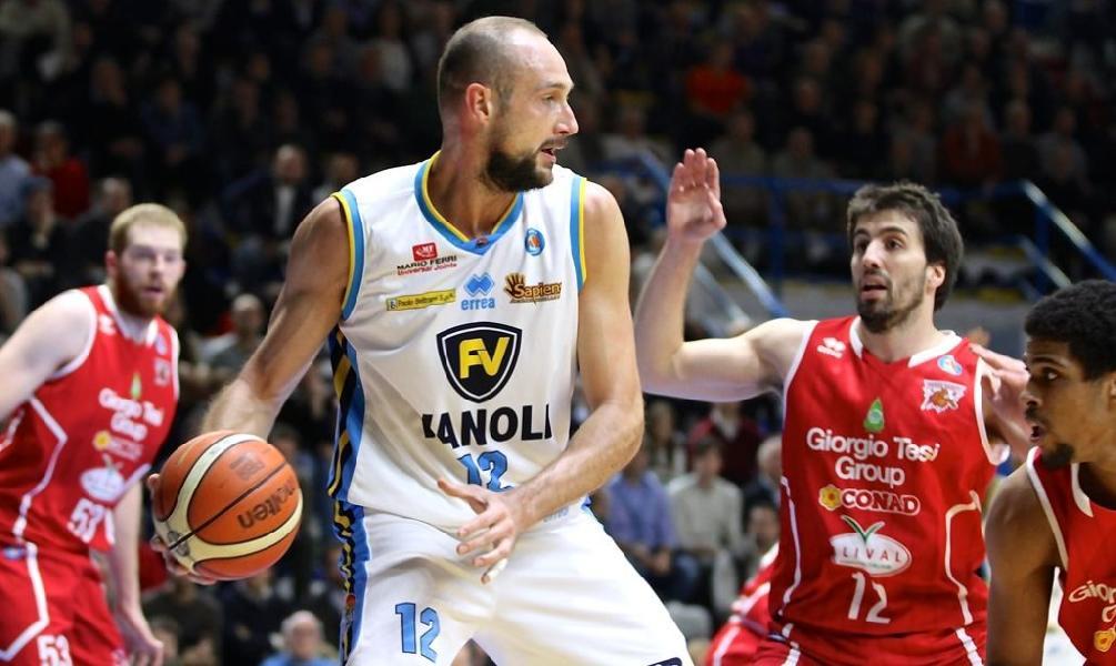 https://www.basketmarche.it/immagini_articoli/21-07-2019/juvecaserta-punta-marco-cusin-battere-concorrenza-capo-orlando-600.jpg