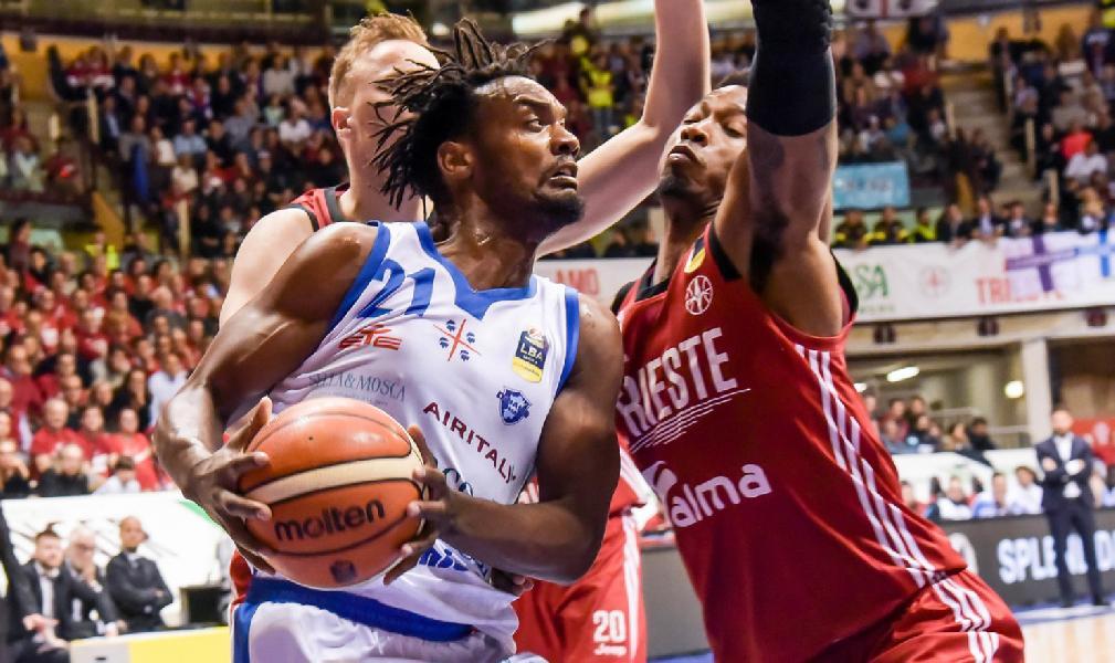 https://www.basketmarche.it/immagini_articoli/21-07-2019/ufficiale-dinamo-sassari-dyshawn-pierre-avanti-ancora-insieme-600.jpg