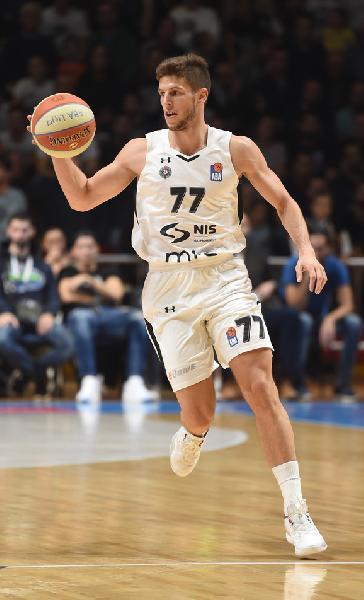 https://www.basketmarche.it/immagini_articoli/21-07-2019/virtus-bologna-scatenata-vicino-arrivo-anche-aleksej-nikolic-600.jpg