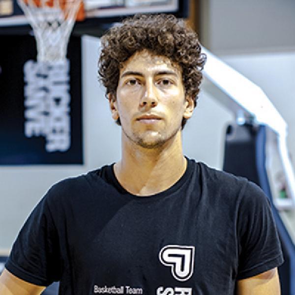 https://www.basketmarche.it/immagini_articoli/21-07-2020/giulianova-basket-piace-esterno-bramante-pesaro-federico-tognacci-600.jpg