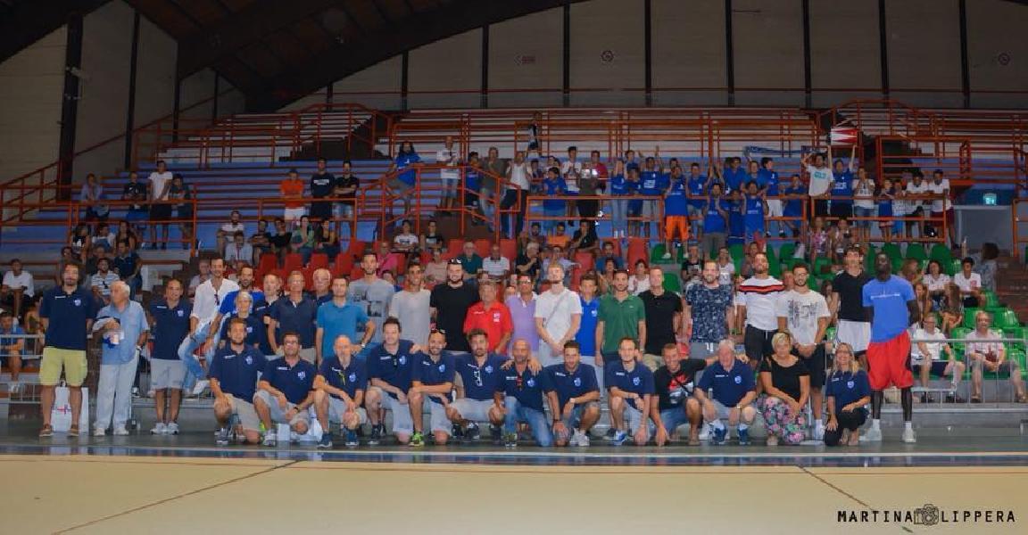 https://www.basketmarche.it/immagini_articoli/21-08-2018/serie-b-nazionale-300-tifosi-hanno-accolto-la-nuova-janus-fabriano-600.jpg