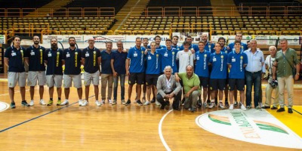 https://www.basketmarche.it/immagini_articoli/21-08-2018/serie-b-nazionale-partita-la-stagione-della-cestistica-san-severo-tutto-il-programma-del-precampionato-600.jpg