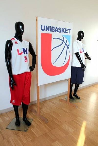 https://www.basketmarche.it/immagini_articoli/21-08-2018/serie-c-gold-al-via-le-tre-squadre-targate-unibasket-massimiliano-mattioli-nuovo-responsabile-marketing-600.jpg