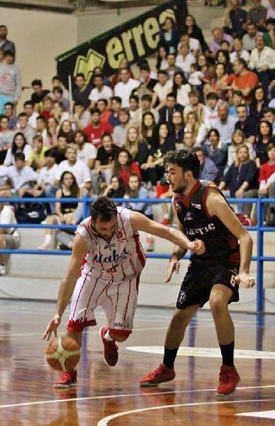 https://www.basketmarche.it/immagini_articoli/21-08-2018/serie-c-silver-l-orvieto-basket-conferma-il-capitano-valerio-abet-600.jpg