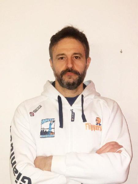 https://www.basketmarche.it/immagini_articoli/21-08-2021/basket-passignano-riparte-campionato-promozione-gianluca-santucci-allenatore-600.jpg