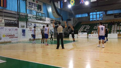 https://www.basketmarche.it/immagini_articoli/21-09-2017/serie-b-nazionale-positiva-prova-per-il-porto-sant-elpidio-basket-contro-la-virtus-civitanova-270.jpg