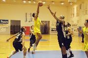 https://www.basketmarche.it/immagini_articoli/21-09-2018/quadrangolare-villa-fastiggi-loreto-pesaro-supera-volata-camb-montecchio-finale-120.jpg