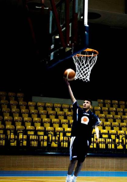 https://www.basketmarche.it/immagini_articoli/21-09-2018/regionale-umbria-rinforzo-cannara-basket-firmato-play-ignazio-vignola-600.jpg
