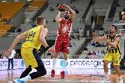 https://www.basketmarche.it/immagini_articoli/21-09-2019/olimpia-milano-ferma-atene-fenerbahce-battuto-finale-120.jpg
