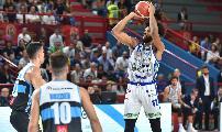 https://www.basketmarche.it/immagini_articoli/21-09-2019/supercoppa-2019-dinamo-sassari-batte-vanoli-cremona-supplementare-finale-120.jpg