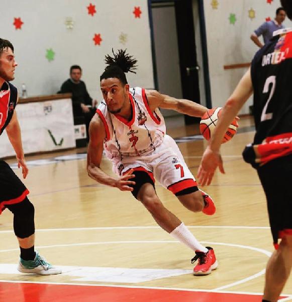 https://www.basketmarche.it/immagini_articoli/21-09-2020/ufficiale-daniel-spagnolli-saluta-perugia-basket-firma-basketball-club-lucca-600.png