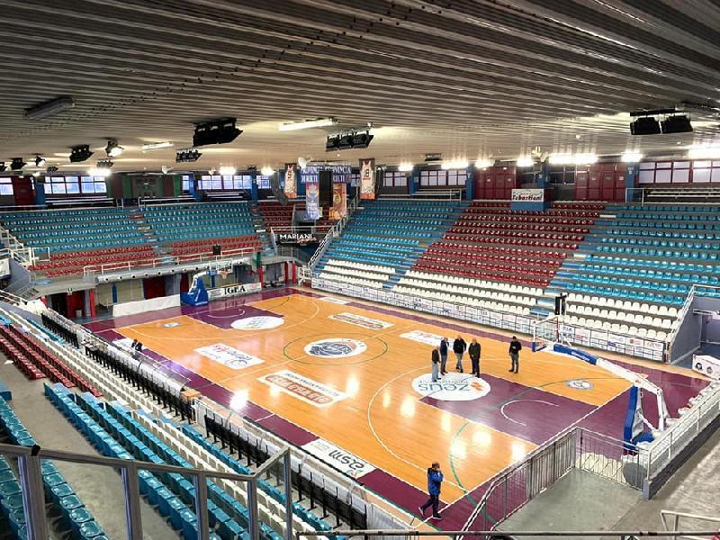 https://www.basketmarche.it/immagini_articoli/21-09-2021/mariano-calisse-obiettivo-rendere-disponibile-palasojourner-prima-partita-campionato-600.jpg