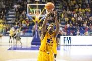 https://www.basketmarche.it/immagini_articoli/21-10-2017/serie-a2-il-preview-di-poderosa-montegranaro-scaligera-verona-120.jpg