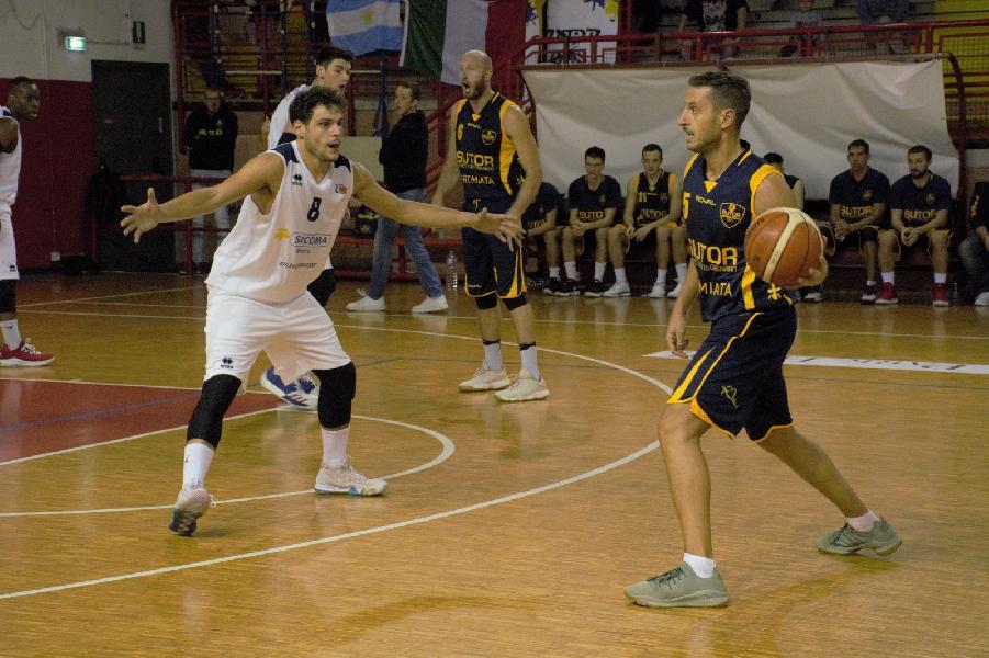 https://www.basketmarche.it/immagini_articoli/21-10-2018/brutta-sconfitta-sutor-montegranaro-campo-valdiceppo-600.jpg