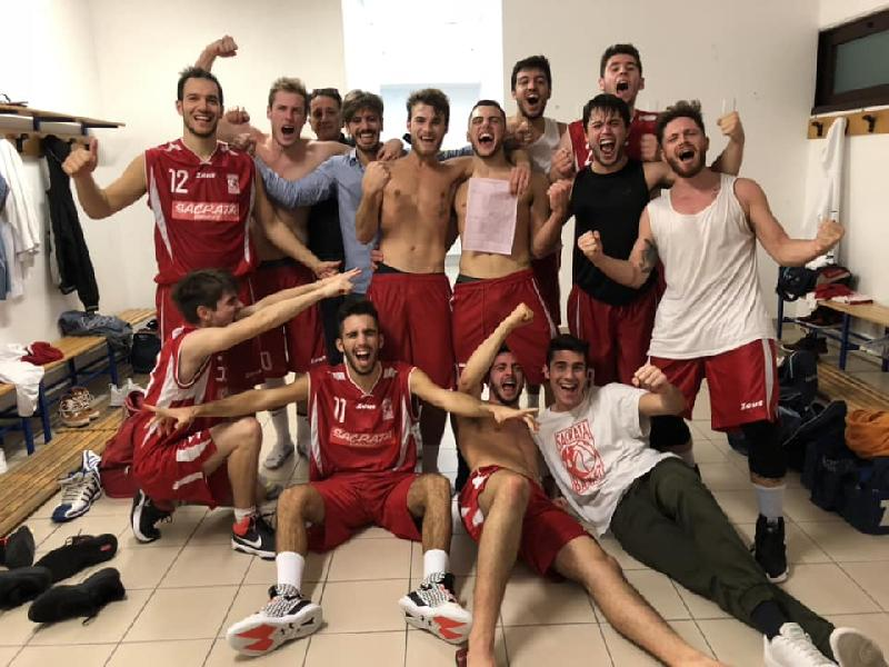 https://www.basketmarche.it/immagini_articoli/21-10-2018/sacrata-porto-potenza-rimonta-vittoria-supplementare-campo-victoria-fermo-600.jpg