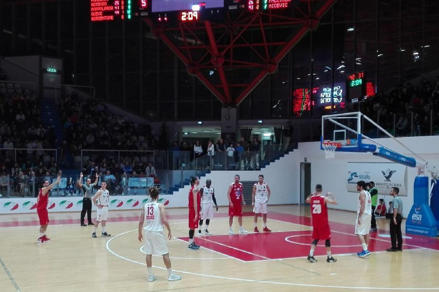 https://www.basketmarche.it/immagini_articoli/21-10-2018/teate-basket-chieti-aggiudica-derby-unibasket-pescara-600.jpg