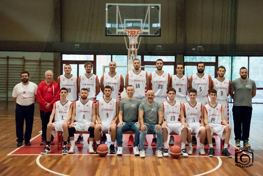 https://www.basketmarche.it/immagini_articoli/21-10-2019/basket-tolentino-gode-imbattibilit-stagionale-primato-classifica-600.jpg