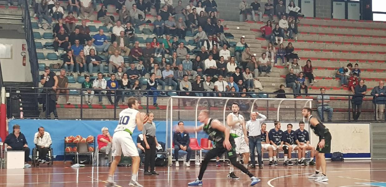 https://www.basketmarche.it/immagini_articoli/21-10-2019/lucky-wind-foligno-serio-chieti-arriva-quarta-vittoria-consecutiva-600.jpg