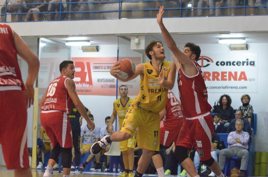 https://www.basketmarche.it/immagini_articoli/21-10-2019/sutor-montegranaro-vittoria-dopo-finale-cardiopalma-adesso-testa-derby-600.jpg