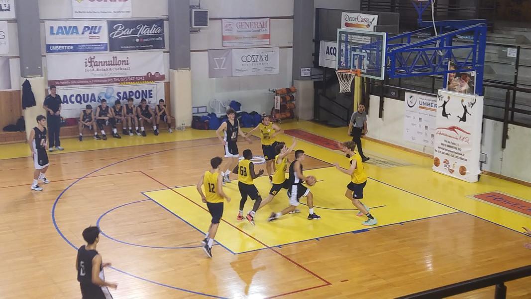 https://www.basketmarche.it/immagini_articoli/21-10-2021/eccellenza-umbria-esordio-positivo-basket-todi-passa-campo-fratta-umbertide-600.jpg