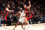 https://www.basketmarche.it/immagini_articoli/21-10-2021/euroleague-olimpia-milano-risale-supera-volata-villeurbanne-decide-tripla-hall-120.jpg
