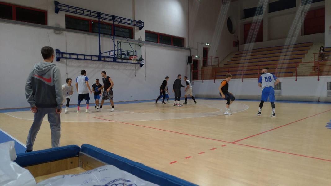https://www.basketmarche.it/immagini_articoli/21-10-2021/falconara-basket-spunta-amichevole-infrasettimanale-montemarciano-600.jpg