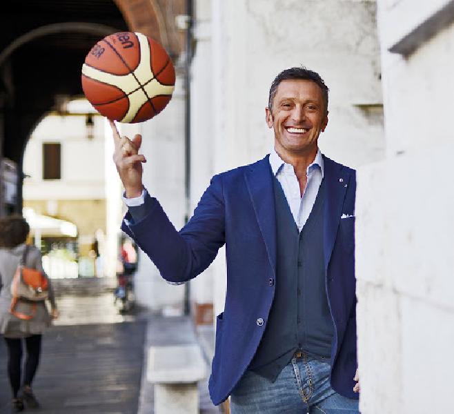 https://www.basketmarche.it/immagini_articoli/21-10-2021/paolo-vazzoler-atene-siamo-tornati-giocare-coralmente-partita-sarei-aspettata-sassari-600.jpg