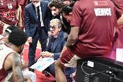 https://www.basketmarche.it/immagini_articoli/21-10-2021/reyer-venezia-coach-raffaele-giocata-gara-concreta-solida-difesa-120.jpg