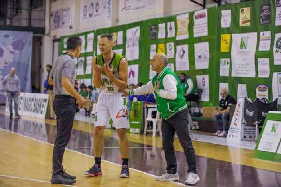 https://www.basketmarche.it/immagini_articoli/21-11-2018/espulsione-squalifica-povilaitis-comunicato-ufficiale-magic-basket-chieti-600.jpg
