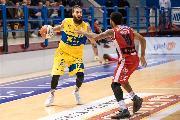 https://www.basketmarche.it/immagini_articoli/21-11-2019/altra-sconfitta-interna-volata-poderosa-montegranaro-questa-volta-esulta-unieuro-forl-120.jpg
