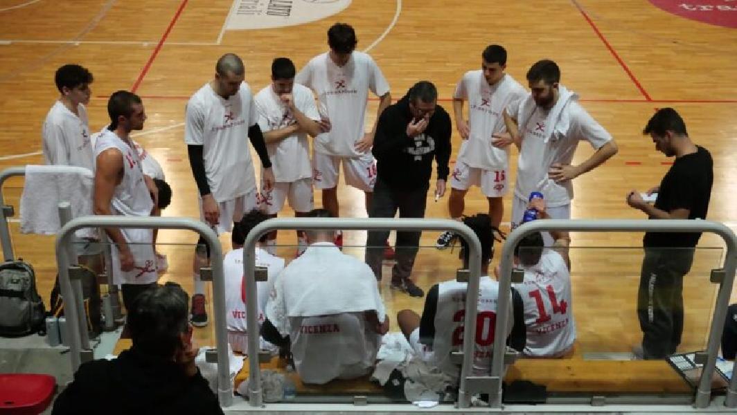 https://www.basketmarche.it/immagini_articoli/21-11-2020/tramarossa-vicenza-sconfitta-vendemiano-ultimo-test-precampionato-600.jpg