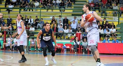 https://www.basketmarche.it/immagini_articoli/21-12-2017/serie-c-silver-la-sambenedettese-basket-espugna-in-rimonta-porto-san-giorgio-270.jpg
