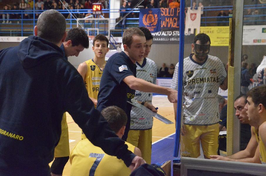 https://www.basketmarche.it/immagini_articoli/21-12-2019/sutor-montegranaro-coach-ciarpella-ancona-sfida-importante-corsa-salvezza-600.jpg