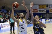 https://www.basketmarche.it/immagini_articoli/22-01-2020/poderosa-montegranaro-testa-centro-mario-delas-amichevole-campetto-ancona-120.jpg